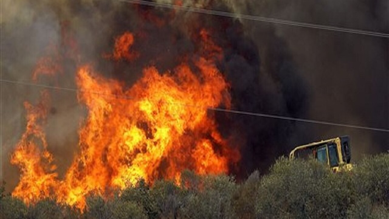 Wildfire prompts more evacuations of Calif. homes