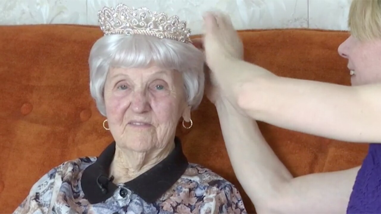 97-year-old woman finally goes to her first prom