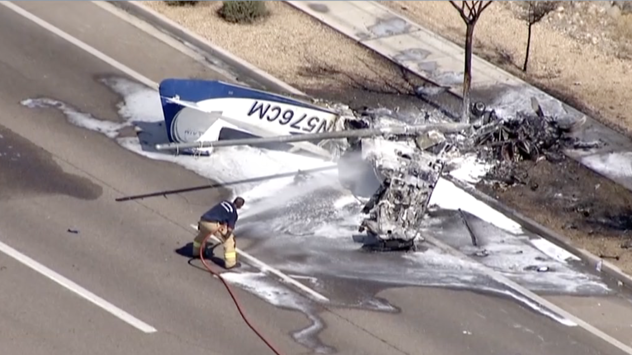 FD: Small plane crashes near Deer Valley Airport