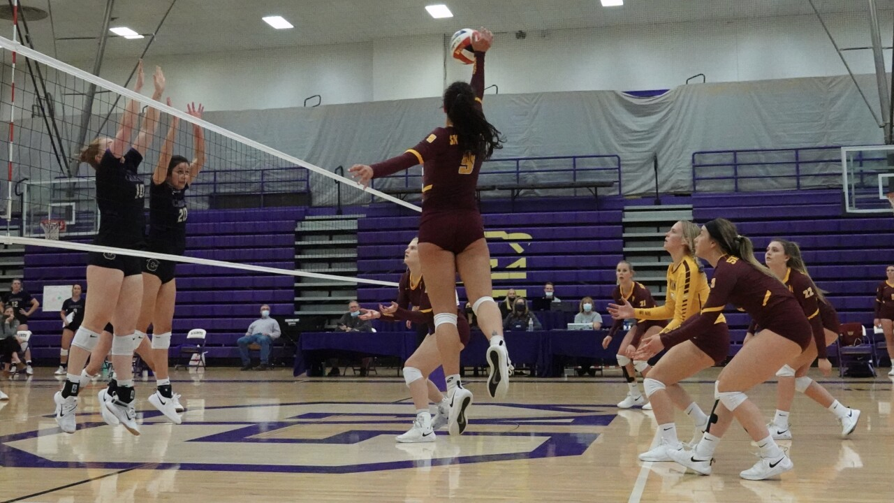 Peaking at the right time: MSU-Northern Volleyball knocks off Carroll to advance to Frontier Semis