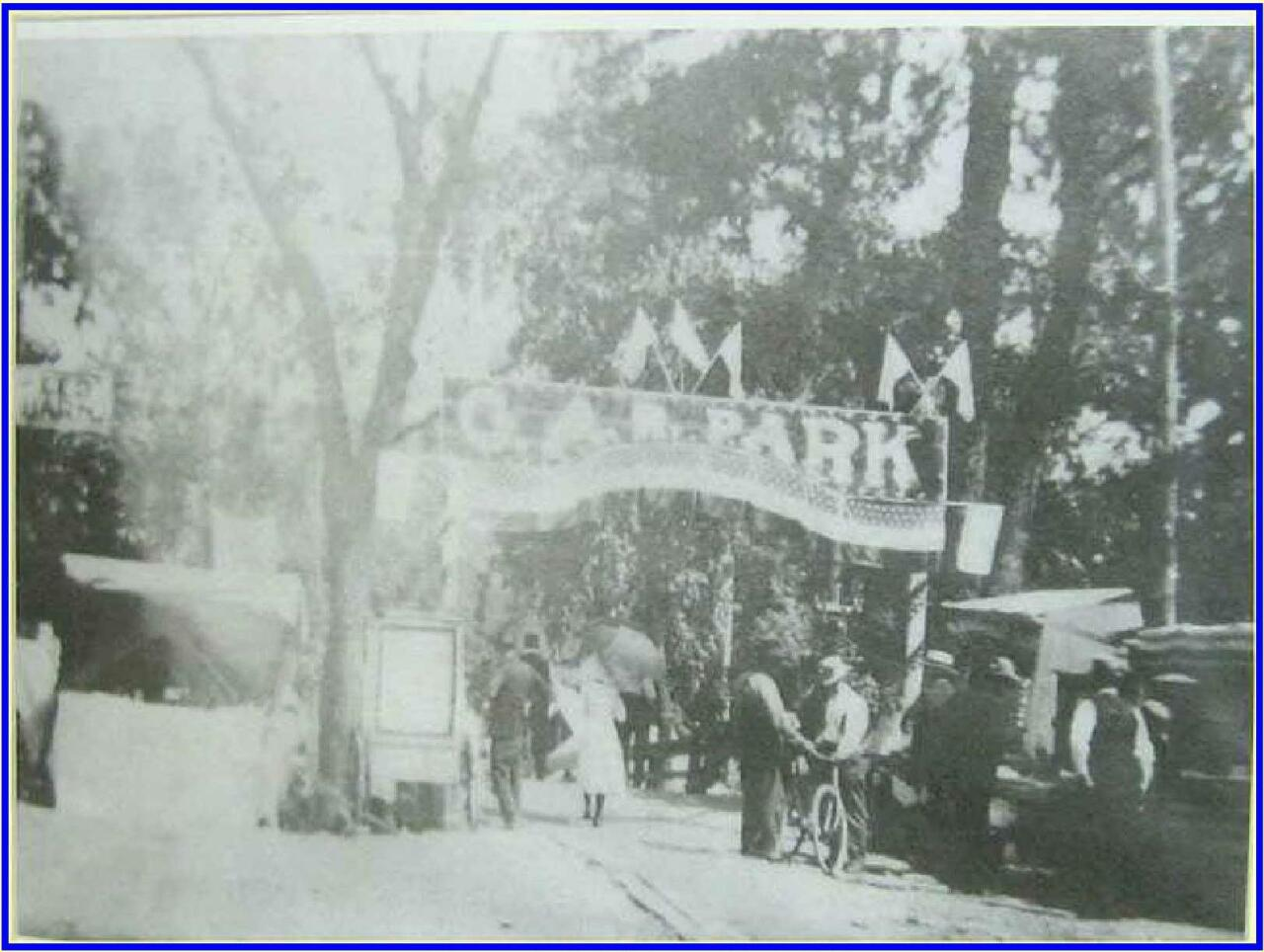 The entrance to GAR Island Park in 1915