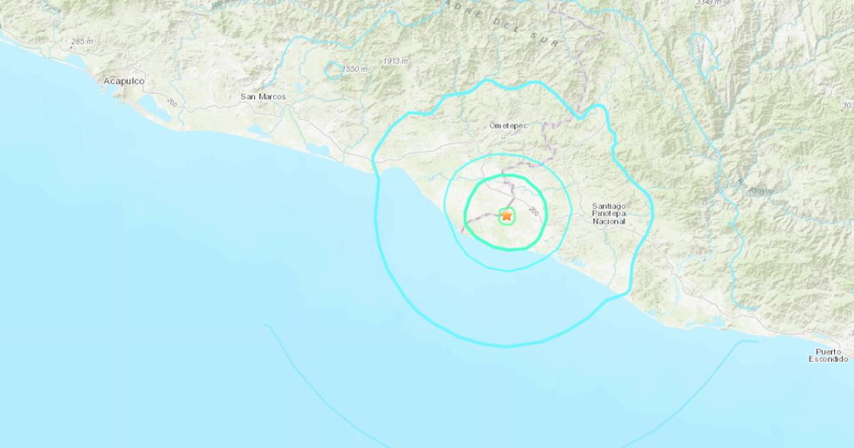 5.4 magnitude earthquake shakes far southern Mexico