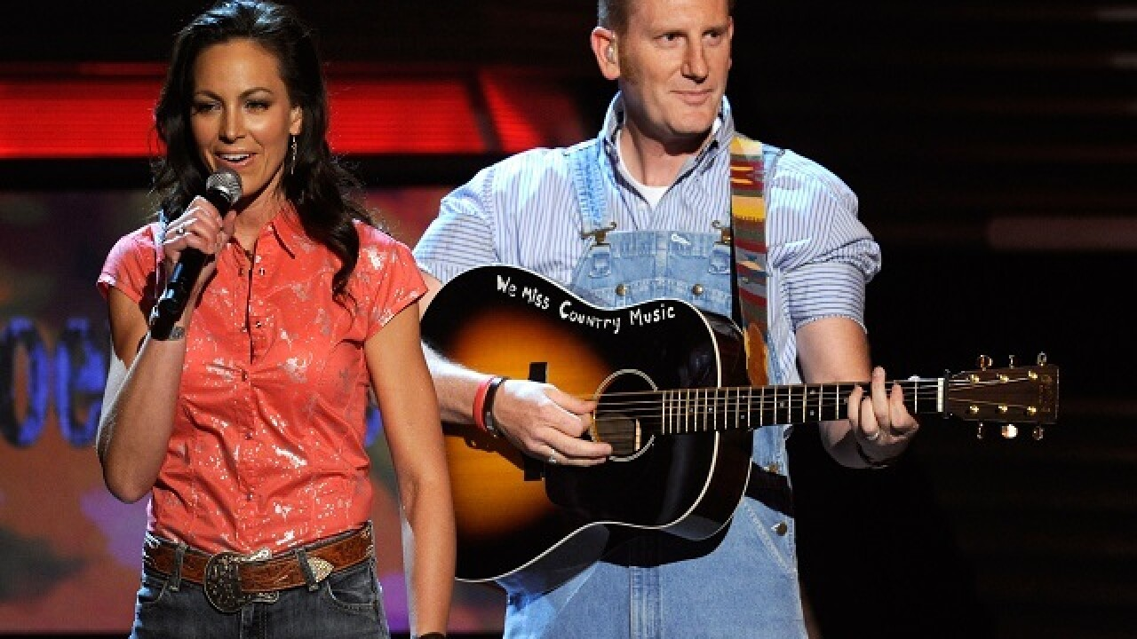 Rory Feek to attend Grammy's without Joey