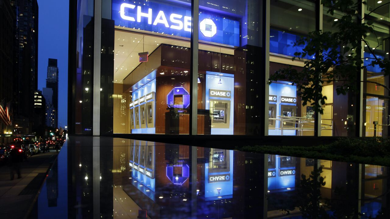 Chase Bank locations to reduce hours or close amid spread of coronavirus