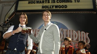 Attention 'Harry Potter' fans: Warner Brothers is selling bottled Butterbeer