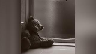 Sad-children-child-teddy-bear.png