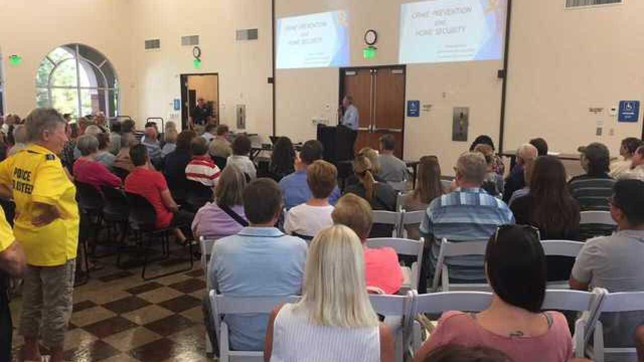 Las Vegas police give crime prevention advice