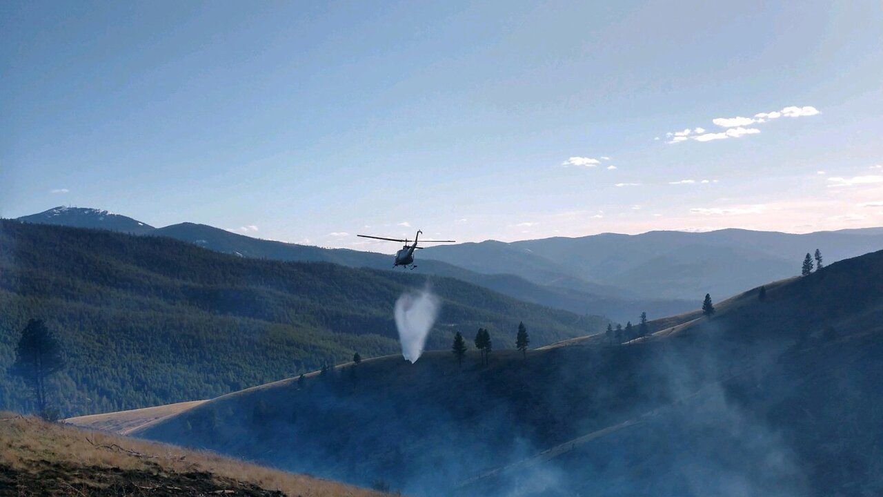 Helicopter at Plains fire.jpg