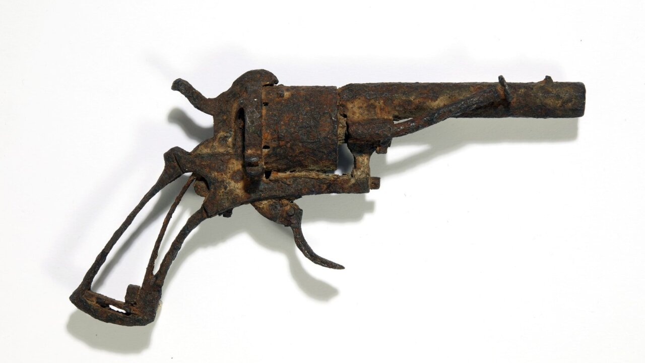 Van Gogh's possible suicide weapon to go under the hammer