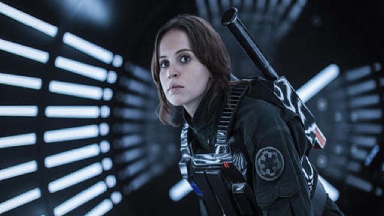 'Rogue One' tops new releases to dominate holiday box office
