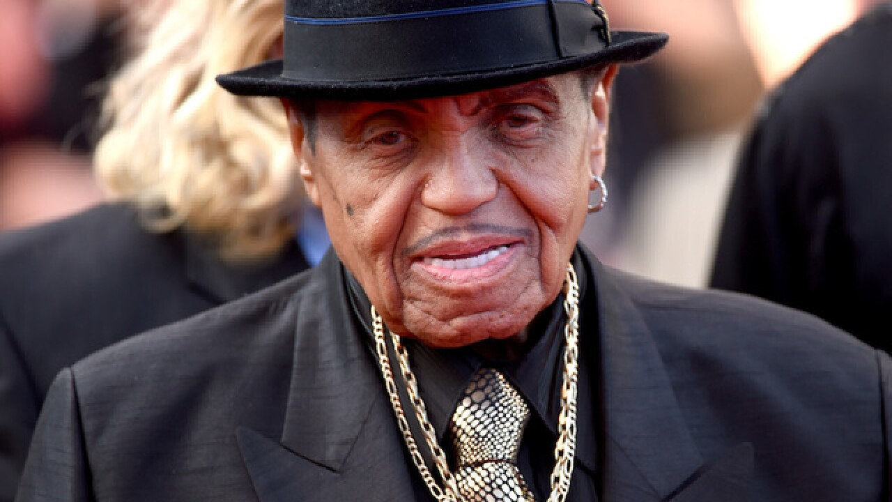 Joe Jackson, manager of The Jackson 5, is gravely ill, report says