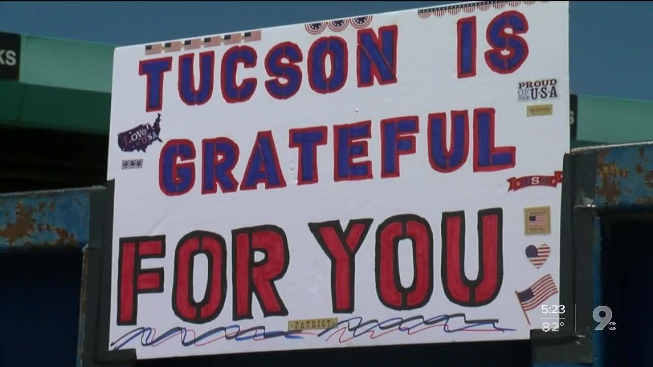 Tucson volunteers handed out free lunches to truckers, who are hauling food and medical supplies across the country amid the COVID-19 pandemic.