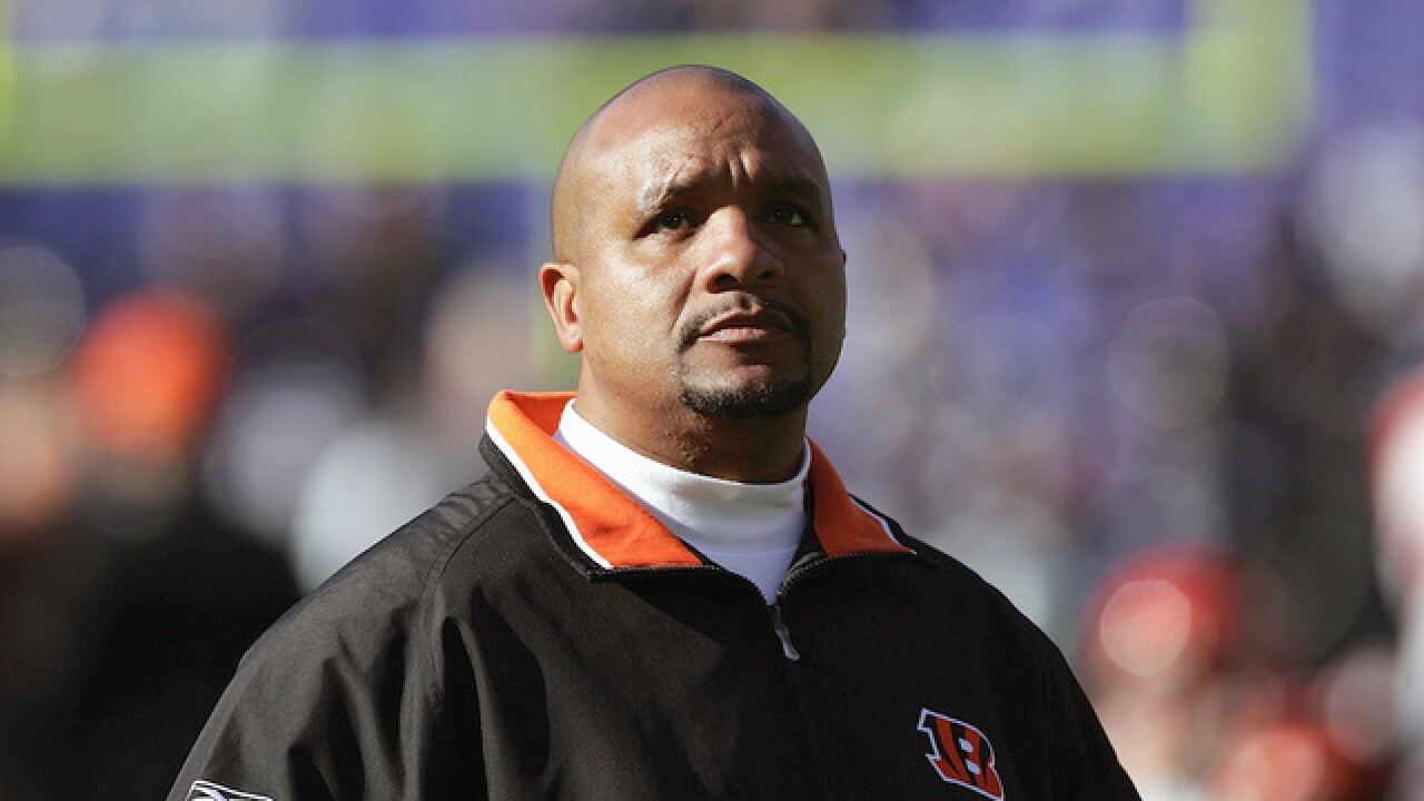 Hue Jackson returns to Cincinnati Bengals coaching staff