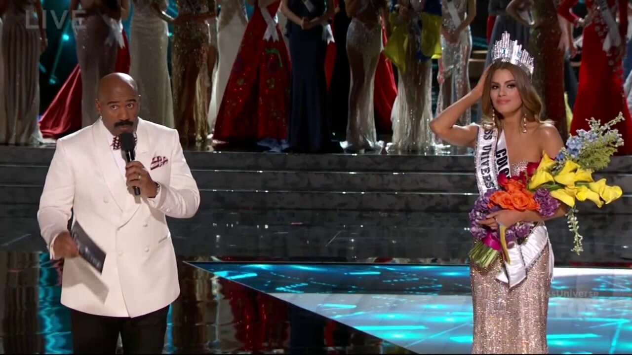 Watch the cringe-worthy moment when Steve Harvey mistakenly crowns the wrong MissUniverse