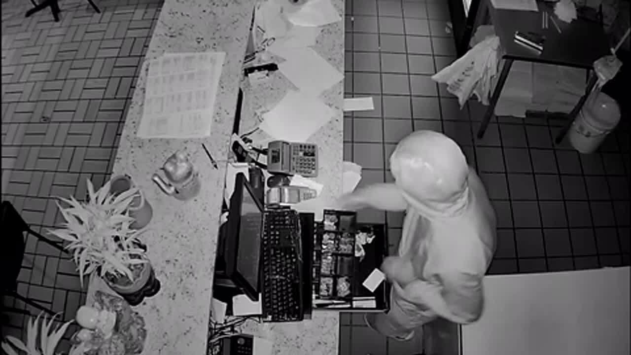 Norfolk Police searching for man who broke into 8 Chinese restaurants in 2 days