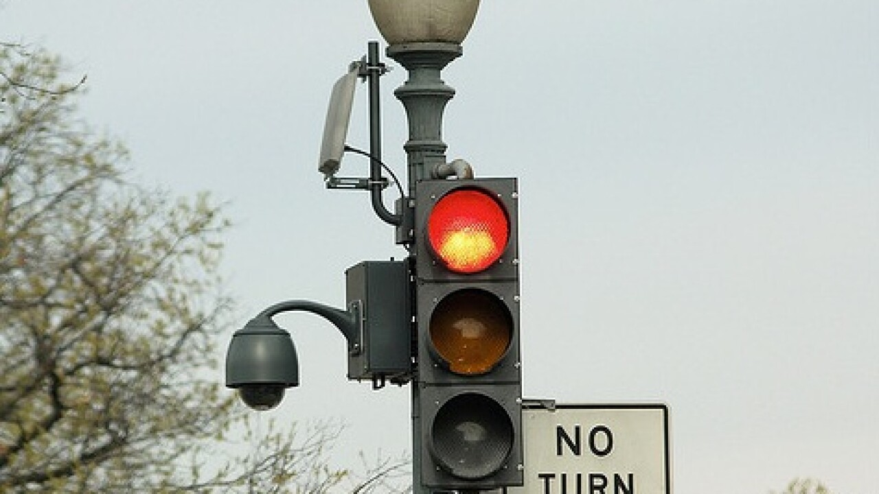 City Council approves plan to study red light cameras in Hampton