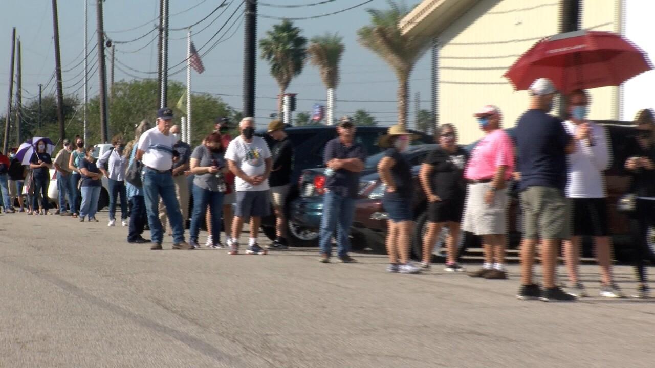 Early voting line Corpus Christi.jpg