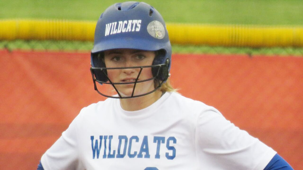 Madi_Ogden_Wilmington_Softball_Photo_by_Sandee_Rohne.jpg