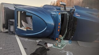 Overturned Tractor Trailer - I-840 Dickson County 1
