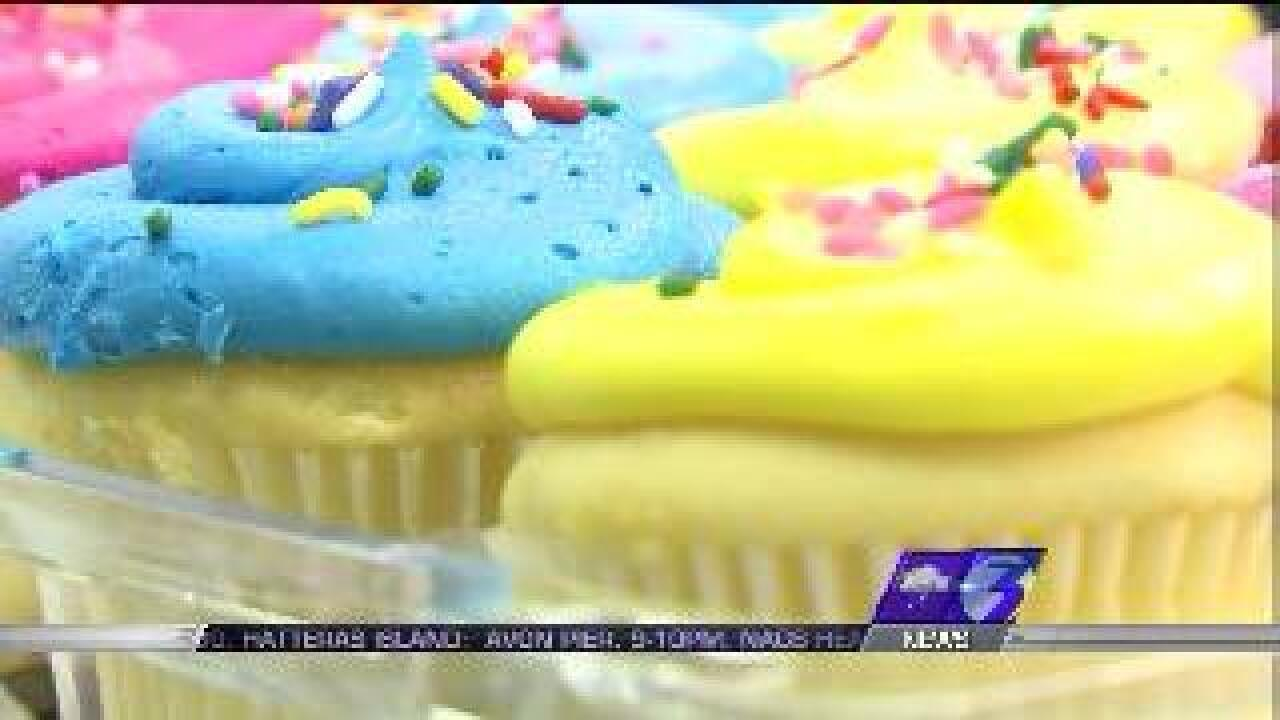 Hampton officer gets into violent cupcake fight with her mother