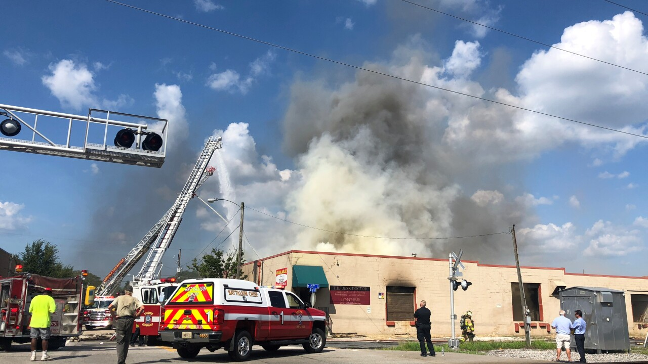 Firefighters pulled from large commercial fire inNorfolk