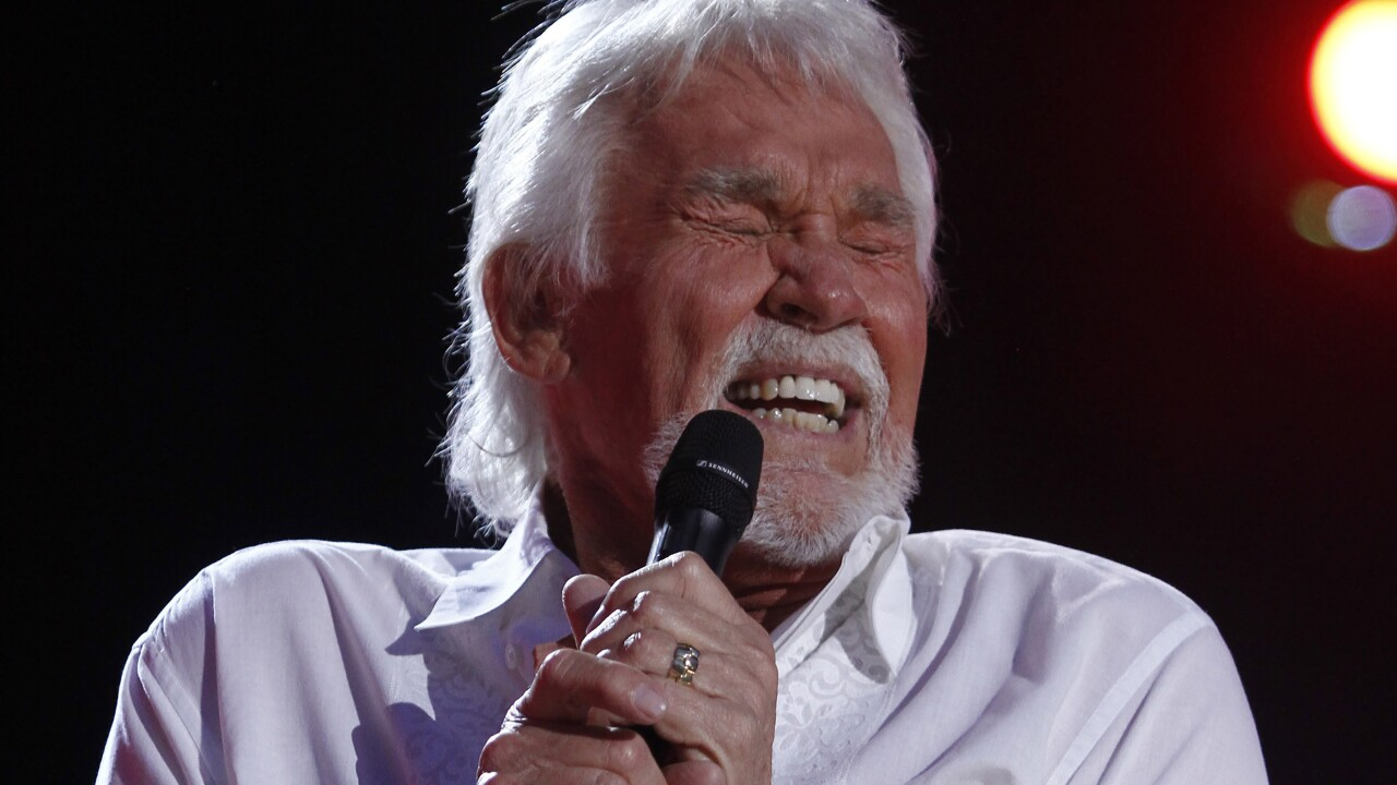 Singer, actor, 'The Gambler': Kenny Rogers dies at 81