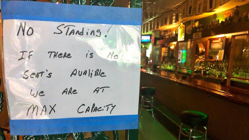 Pinellas-bar-reopen-sign-SARAH-HOLLENBECK.jpg