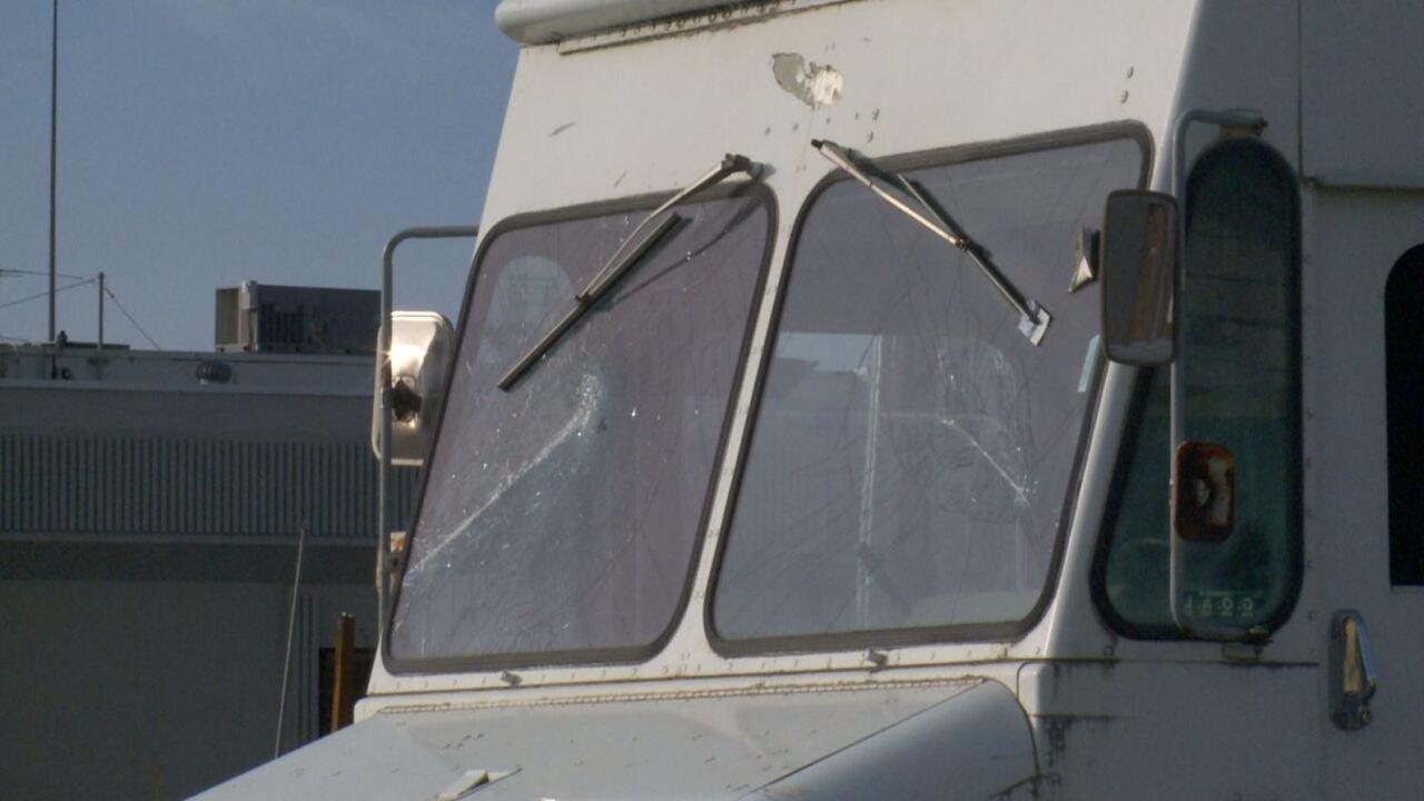 windshield3.JPG