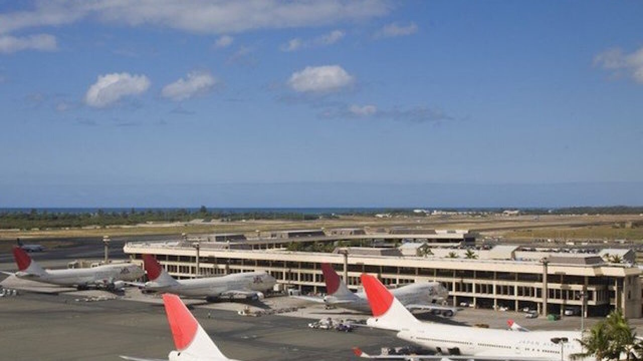 Man dies after breaching security at Honolulu Airport