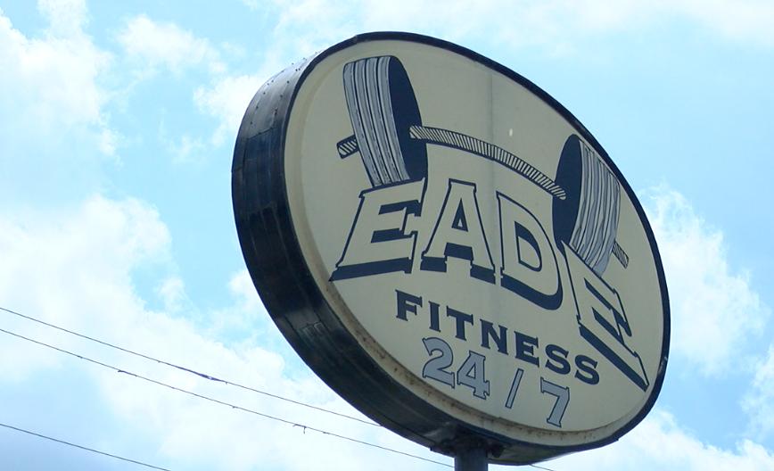 Eade Fitness 24/7 Sign