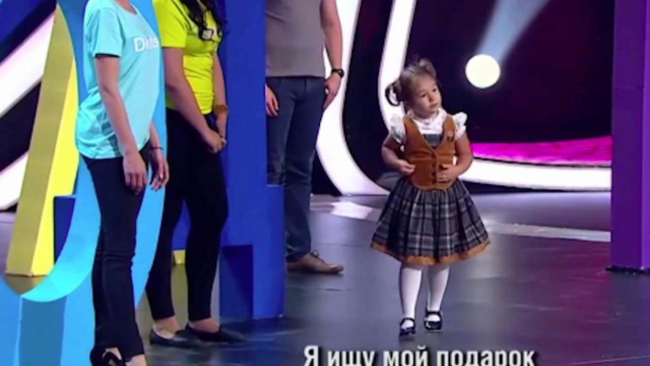 How is this 4-year-old girl already fluent in 7 languages?