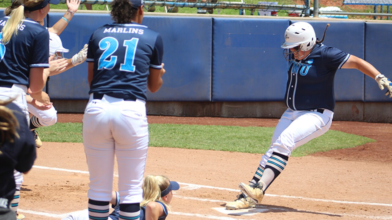 Virginia Wesleyan softball hits themselves into DIII Final Four