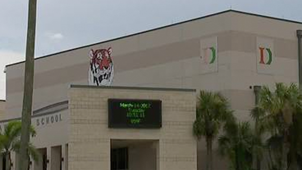 Report: Teen says she brought stun gun to Fort Myers school for safety