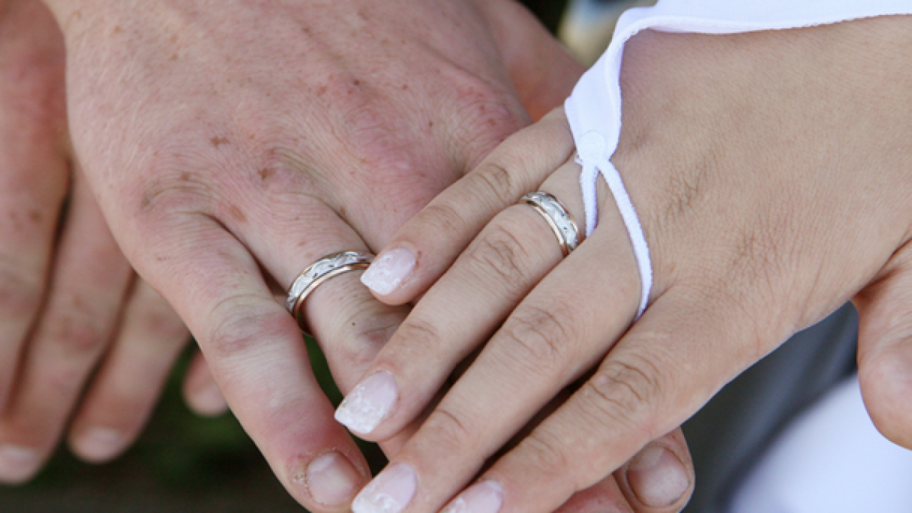Wisconsin Widow Reunited With Husband S Wedding Ring