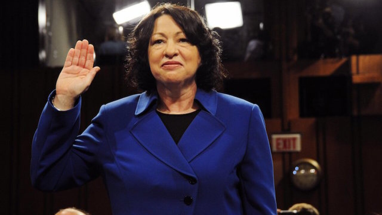 Justice Sotomayor breaks shoulder in fall