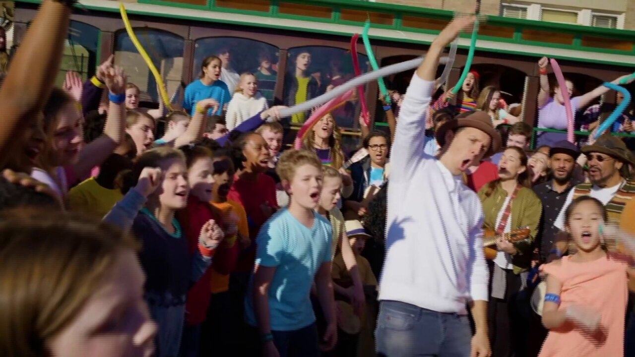 Richmond students star in Jason Mraz 'Have It All' video
