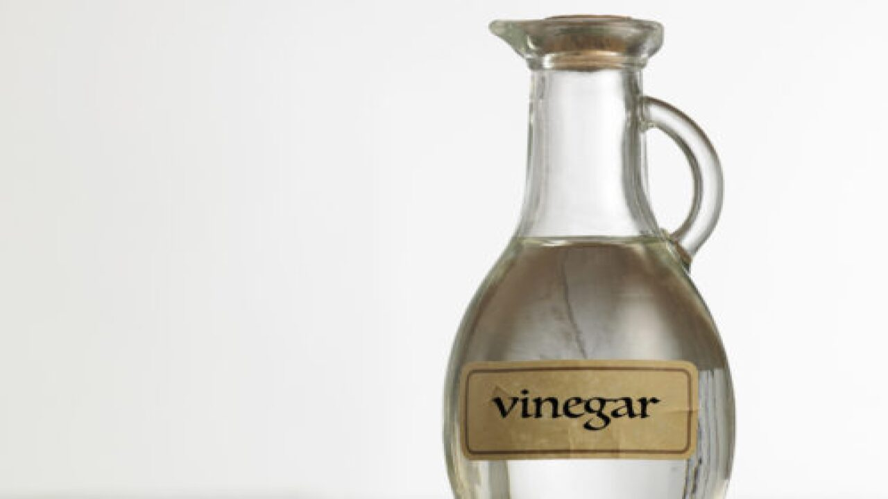 6 Times You Should Never Use Vinegar When Cleaning