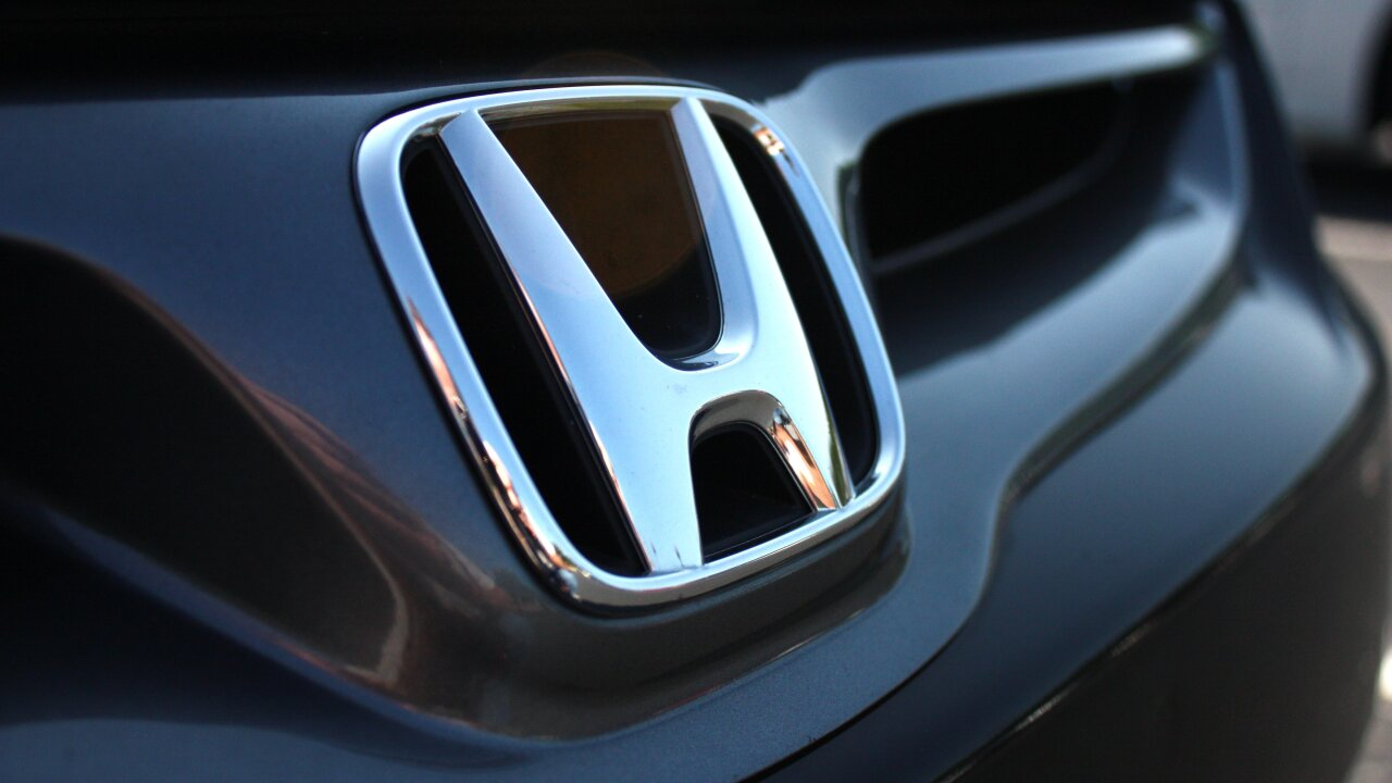 Honda recalling over 1 million vehicles again cause of defective airbag part from first recall