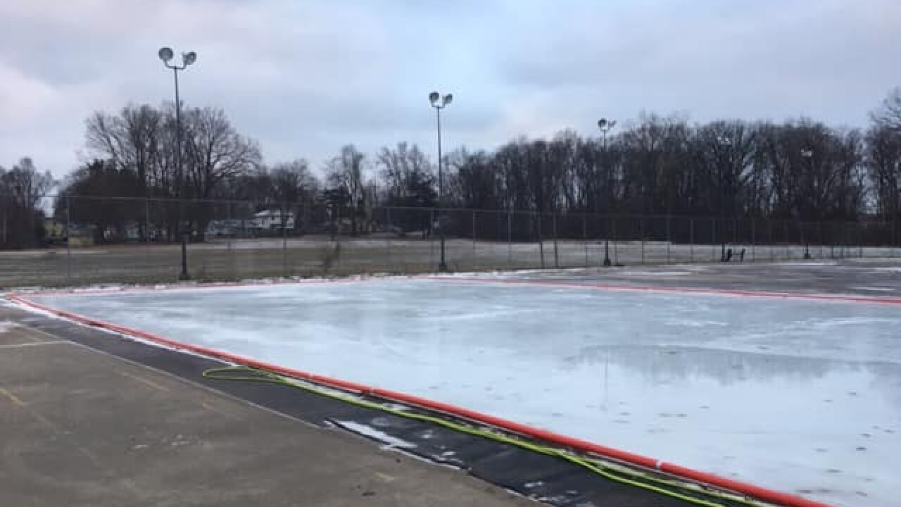 outdoor skating rink (3)
