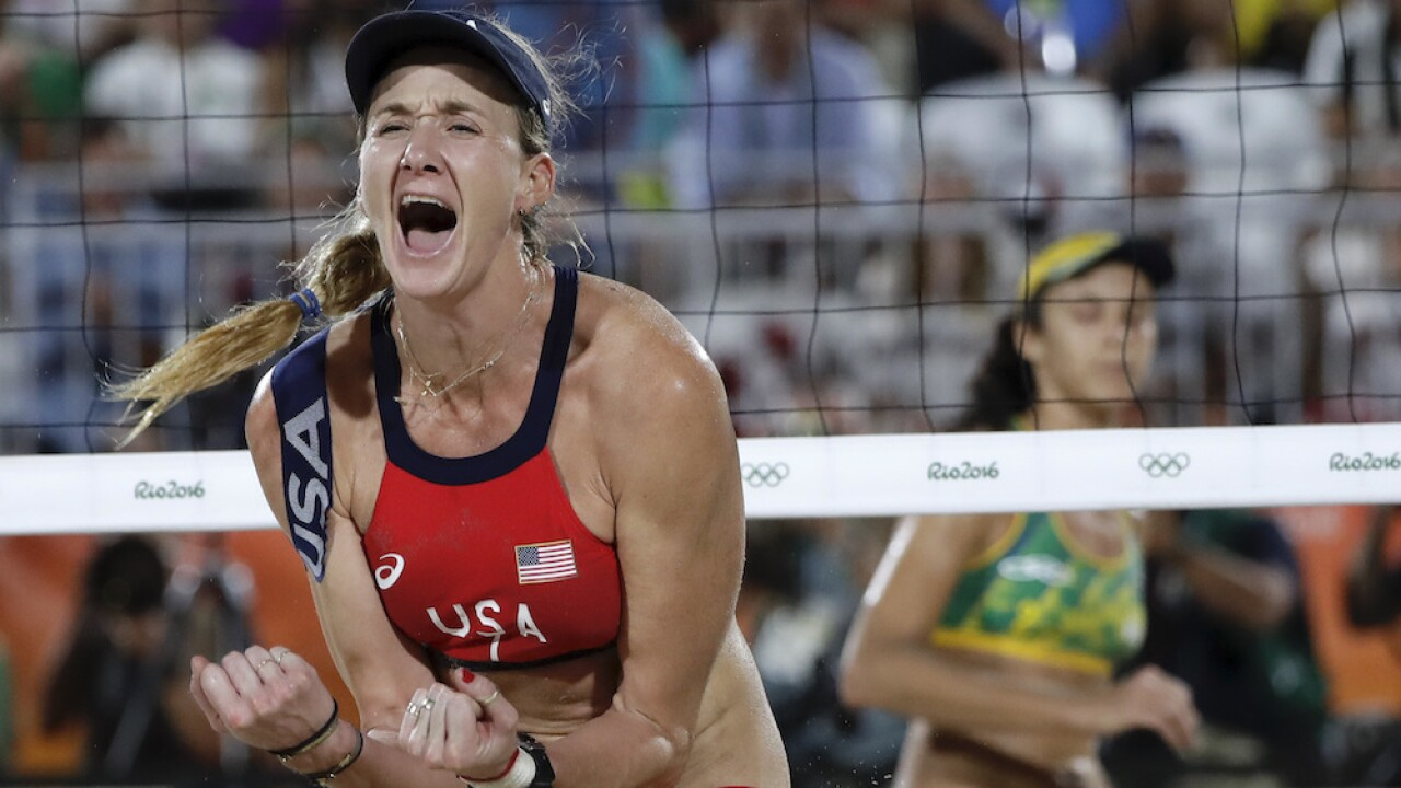 Kerri Walsh Jennings apologizes for Instagram where she described 'bravely' shopping with no mask