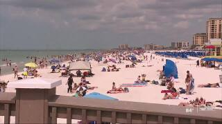 Thousands flock to Clearwater Beach despite global push to practice social distancing