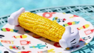 You Can Buy Corn-on-the-cob Holders That Look Like Mickey Mouse Gloves