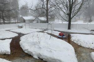 Wisconsin man turns backyard into 'northern Wisconsin Dells
