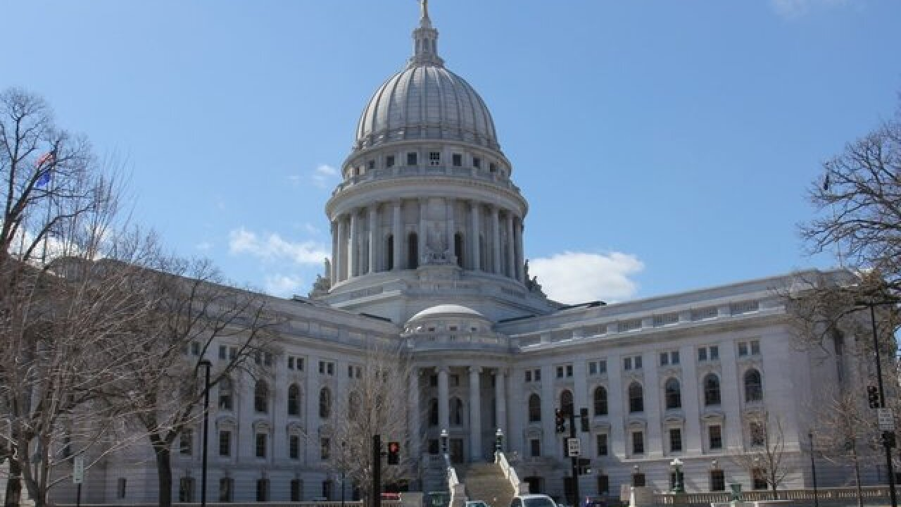 Wis. lawmakers limit Governor's power in marathon lame-duck session