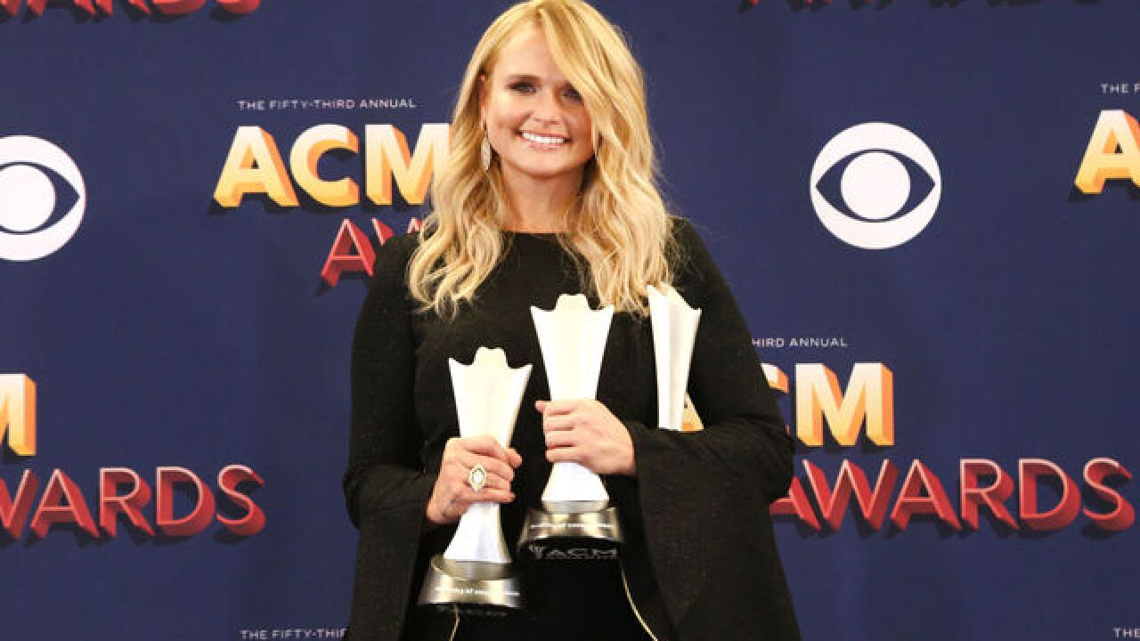 Miranda Lambert taking donations for Detroit Dog Rescue during DTE show