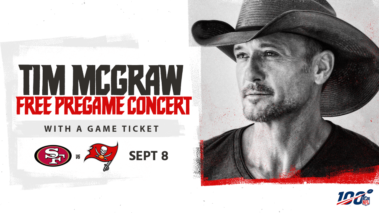 Tim McGraw with The Bucs.png