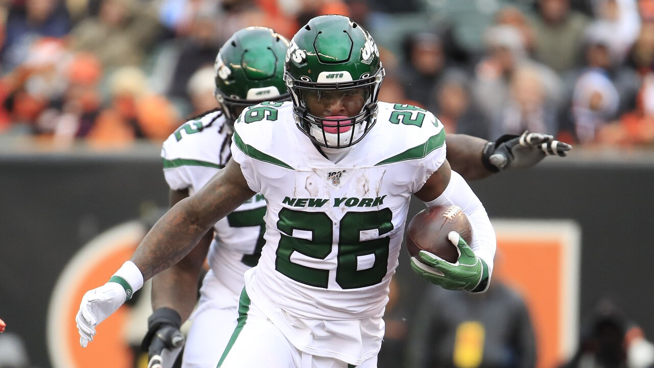 Jets won't discipline Le'Veon Bell for bowling after flu absence