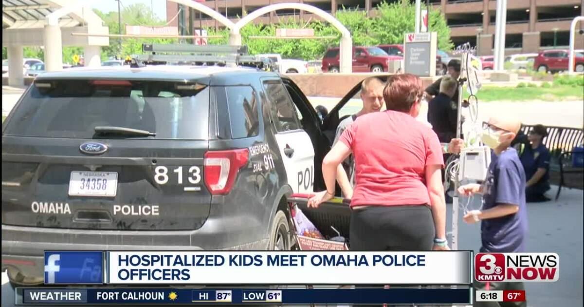 Nebraska Medicine patients meet Omaha police