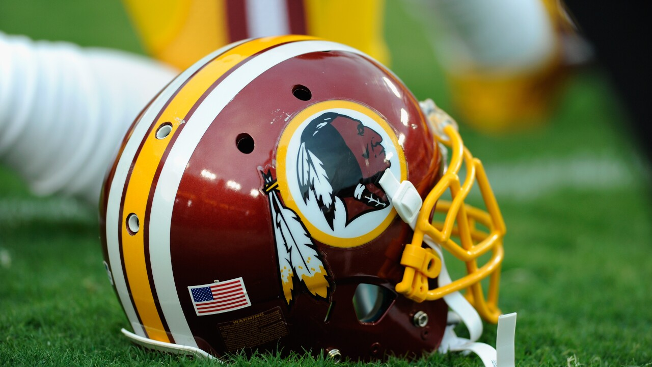 Redskins sign pair of free agents, cut three players in roster moves