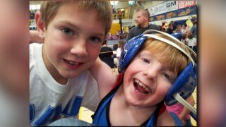 Mike Zadick inspires Havre boy to wrestle after more than 50 surgeries
